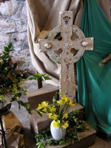 Easter cross - Iona
